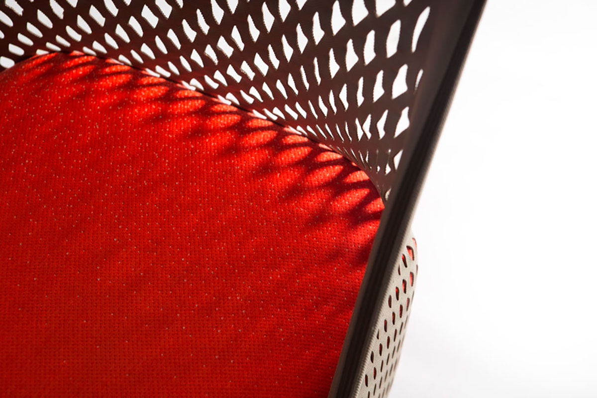 Современное кресло для отдыха Cradle от Moroso