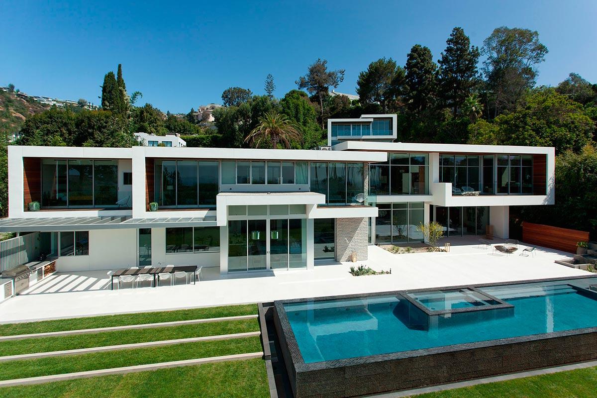 Современный частный дом Brentwood от студии Belzberg