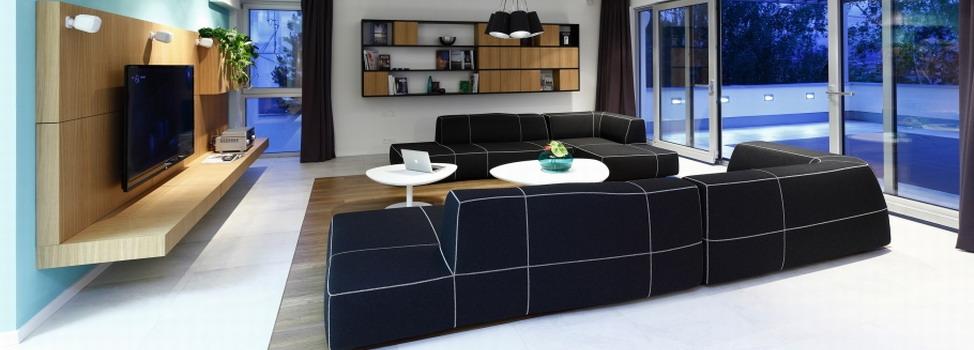 Новая просторная квартира со свежим и современным интерьером от RULES Architekti